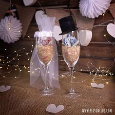 DIY money gift for the wedding: to celebrate at the wedding and toast to . - DIY money gift for the wedding: To celebrate at the wedding and toast to it afterwards: Engraved ch - Diy Wedding Gifts, Diy Gifts, Gifts For Mom, Great Gifts, Wedding Shower Games, Wine Gift Baskets, Engagement Ring Cuts, Diy For Teens, Newlyweds