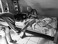 Publicitário com deficiência clicadeficientes e seus cuidadores