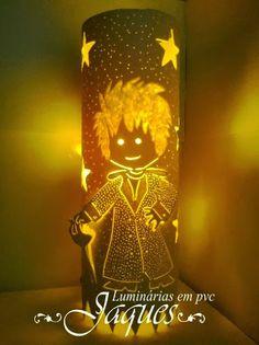 Luminária em pvc do Pequeno Príncipe em 3D. com 30 cm de altura.