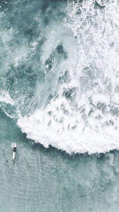 ℳ𝒾𝓁𝒶 ℒ𝒾𝑔𝒽𝓉 — ehlockscreens: Happy Valentine's Day my. Ocean Wallpaper, Summer Wallpaper, Wallpaper Backgrounds, Beach Aesthetic, Blue Aesthetic, Aesthetic Backgrounds, Aesthetic Wallpapers, Photo Wall Collage, Aesthetic Pictures