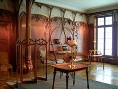 Beautiful Art Nouveau room and accessories - just stunning!