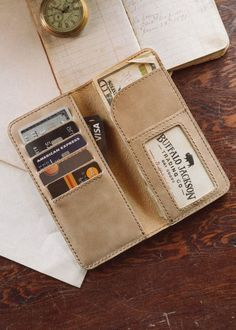 The Traveler Men's Leather Checkbook Wallet - Washed Whiskey
