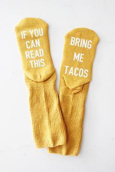 "- Socks - Funny Socks - Easy Cricut Projects ""If you can read this, bring me tacos"" funny socks. Funny Socks, Cute Socks, My Socks, Food Socks, Fingerless Mittens, Crazy Socks, Fashion Socks, Sock Yarn, Baby Booties"