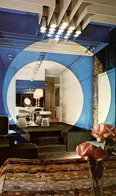Midcentury Modern Decor & Style Ideas: Tips for Interior Design. Midcentury design is one trend that shows no sign of going away. Learn about midcentury modern decor and discover the best ways to incorporate the style Architecture Restaurant, Interior Architecture, Interior And Exterior, Exterior Homes, Futuristic Interior, Futuristic Design, 1980s Interior, Decoration Inspiration, Interior Design Inspiration
