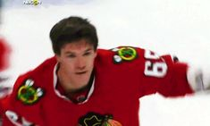 Andrew Shaw is a Beast. Saluting the fans after his fight with Roussel of the Dallas Stars