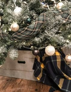 DIY Christmas Tree Galvanized Collar: Make It For $0