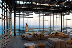 Alila Villas Uluwatu is a stunning eco-chic boutique resort with picturesque views of the cerulean Indian ocean. Bali Architecture, Architecture Details, Patio Design, House Design, Alila Villas Uluwatu, Pole House, Retail Facade, Honeymoon Hotels, Indoor Outdoor Living