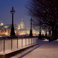 Thames Path with Saint Paul Cathedral at the back, London