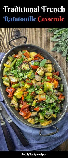 Traditional French Ratatouille Casserole Traditional French Ratatouille Casserole Recipe - Really Tasty Recipes Healthy Cooking, Healthy Eating, Cooking Recipes, Healthy Recipes, Diet Recipes, Clean Eating, French Christmas Food, French Food, Canadian Dishes