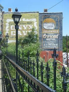 Gosh, I'm obsessed with Eureka Springs. Eureka Springs, Hot Springs, Places In America, Current Location, Home And Away, Natural Wonders, Arkansas, Cave, Things To Do
