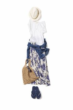 Pattern skirt, white t-shirt, basket weave tote 60 Fashion, Japan Fashion, Work Fashion, Daily Fashion, Fashion Looks, Fashion Outfits, Womens Fashion, Fashion Trends, Moda Casual