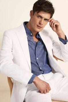 Tailored Fit Green Linen Suit Linen Suits For Men, White Linen Suit, Beige Suits, Pastel Shirt, Tan Loafers, Smart Outfit, Linen Jackets, Slim Fit Trousers, Fitted Suit