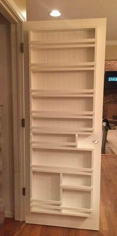 I would place this either in the inside or on the outside of my basement door, as that is the only place I'd have to put this in my small kitchen. Diy Kitchen Island, Kitchen Pantry, New Kitchen, Diy Kitchen Cabinets, Diy Kitchen Storage, Smart Storage, Kitchen Ideas, Door Organizer, Cabinet Doors
