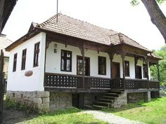 Image result for székely tornácos ház Old Country Houses, Pergola, Outdoor Structures, Traditional, Vintage, Homes, Outdoor Pergola, Vintage Comics, Arbors