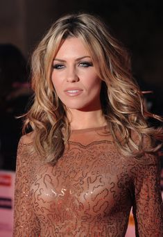 Abbey Clancy long layered waves