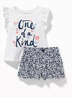 Shop Old Navy for cute outfits and clothing sets for your baby girl. Old Navy is your one-stop shop for stylish and comfortable baby clothes at affordable prices. Kids Girls Tops, H&m Kids, Shirts For Girls, Cute Girl Outfits, Little Girl Outfits, Kids Outfits, Kids Nightwear, Cute Sleepwear, Newborn Girl Dresses