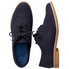 Gap Women Perforated Oxfords ($18) ❤ liked on Polyvore featuring shoes, oxfords, laced up shoes, lace up oxfords, oxford lace up shoes, faux suede shoes and oxford shoes