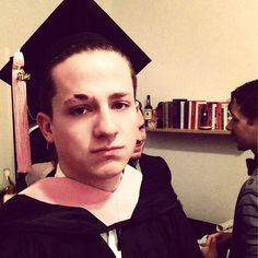 Find images and videos about graduation and charlie puth on We Heart It - the app to get lost in what you love. Charlie Puth, Big Music, King Of Music, Good Music, Jenny Jackson, Chainsmokers, Dear Future Husband, Cute Photos, Record Producer