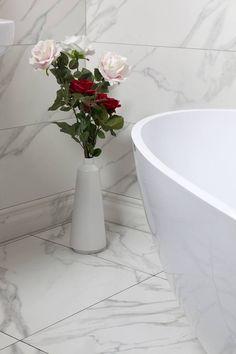 Rektifikovaný obklad Calacatta 30x90 cm | Obklady a dlažba, série | SIKO KOUPELNY Calacatta, Kale, Bathroom, Design, Collard Greens, Washroom, Full Bath, Bath