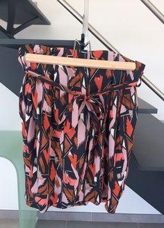 À vendre sur #vintedfrance ! http://www.vinted.fr/mode-femmes/jupes-crayon/28212429-jupe-forme-tulipe
