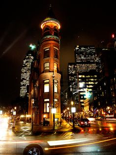 Flatiron building in Toronto, Canada Ottawa, Ontario, Calgary, Torre Cn, The Places Youll Go, Places To Visit, Vancouver, Toronto Canada, Toronto City
