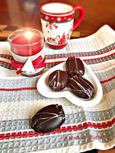 PASTE DEL DIVINO AMORE #dolci #ricette Romanian Food, Valentines Day Food, Brownie Cookies, Antipasto, Something Sweet, Dessert Recipes, Desserts, Finger Foods, Italian Recipes