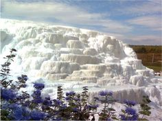 The Salt Hills in Egerszalók, Northern Hungary. As well as naturally forming these fantasy structures, these thermal waters are medicinal. This looks just like Pamukkale in Turkey! Places To Travel, Places To See, Wonderful Places, Beautiful Places, Hungary Travel, Earth Photos, Heart Of Europe, Pamukkale, Parc National
