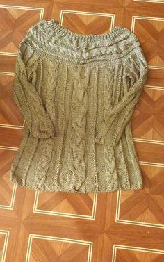 Sweter z okraglym karczkiem