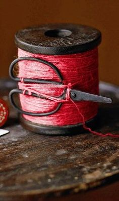 can't get enough red thread