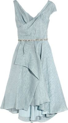 Farb-und Stilberatung mit www.farben-reich.com - Hourglass Dressing in a Soft Summer blue