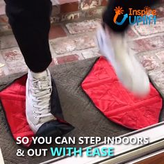 These Hands Free Reusable Shoe Covers are extremely easy to use, and the covers can be put on hands-free! Simply lay the covers flat on the ground and step onto them. Home Gadgets, Gadgets And Gizmos, Simple Life Hacks, Useful Life Hacks, Cool Inventions, Cool Things To Buy, Stuff To Buy, Cool Tools, Your Shoes