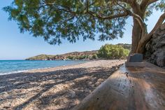 Livadi Kalogiron This is a small secluded beach with pebbles. You get there by following the left junction to the village of Campos. «Livadi Kalogirou», apart from the beach, also offers an idyllic rural picture of Patmos Island and unobstructed views of Samos.