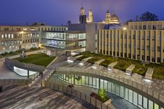 INTERSTICE Architects · University of San Francisco Science and Innovation And Harney Plaza Landscape · Divisare