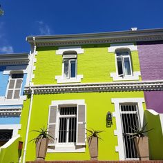 The Lime Grove Cottage in Kaapstad se middestad bied kleurvolle verblyf in alle opsigte!  #CapeTown #mothercity #CBD #colours #colourfulaccommodation #accommodation #citylife