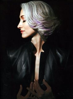 Gray hair with purple highlights. Silver Grey Hair, Gray Hair, Vibrant Hair Colors, Salt And Pepper Hair, Ageless Beauty, Going Gray, Mannequins, Hair Inspiration, Dame
