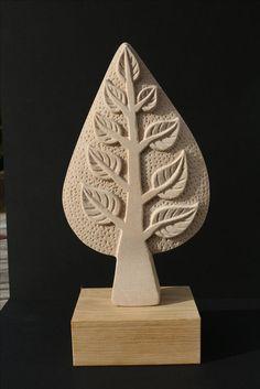 Яндекс.Картинки: поиск похожих картинок Sculpture Head, Pottery Sculpture, Stone Sculpture, Ceramic Wall Art, Ceramic Pottery, Logo Arbol, Ceramica Artistica Ideas, Steinmetz, Pottery Handbuilding
