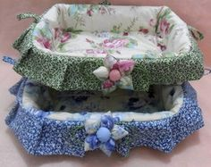Cesto para Pão - Patchwork Biscuit, Baby Nest, Bassinet, Ideas Para, Baby Car Seats, Sewing Projects, Children, Fabric, Craft Ideas