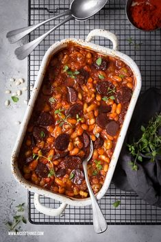 """Cassoulet recipe with white beans & chorizo from """"A tin. No stress."""" - Nicest things - Cassoulet recipe with white beans & chorizo from """"A tin. No stress. Dutch Recipes, Cuban Recipes, Irish Recipes, Russian Recipes, Greek Recipes, Baby Food Recipes, Dinner Recipes, Chorizo, Meatloaf Recipes"""