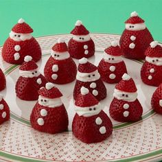 Mini strawberry santas you can easily make these little santas as a holiday dessert yourself all you need are strawberries whipped cream and some chocolate sprinkles your kids will love these yummy treats and can help put them together Christmas Desserts Easy, Christmas Party Food, Xmas Food, Christmas Brunch, Christmas Appetizers, Christmas Cooking, Christmas Goodies, Simple Christmas, Holiday Treats