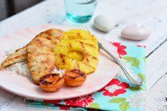 Következzen egy újabb néhány perc alatt elkészíthető étel. A friss gyümölcs tökéletesen passzol a pillanatok alatt meggrillezett húshoz.