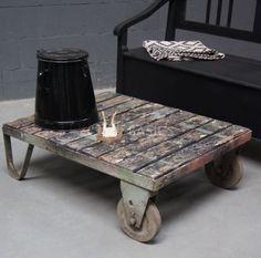 Salontafel | ijzer met oud hout | coffeetable | Old BASICS | in stoere industriële / retro stijl | www.old-basics.nl | webshop | brocante - industrieel - vintage iron industrial