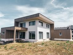 #holzhaus #clt #hausbau #hausbauinspiration #eigenheim Style At Home, Modern, Garage Doors, Shed, Outdoor Structures, Mansions, House Styles, Outdoor Decor, Home Decor