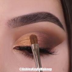 Makeup Tricks to Look Younger : 11 Ways . - Makeup Tricks to Look Younger : 11 Ways to Look Younger With Makeup – - Makeup Tricks, Makeup 101, Makeup Goals, Makeup Inspo, Makeup Primer, Makeup Products, Beauty Makeup, Makeup Eye Looks, Eye Makeup Steps
