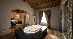 Baignoire Jacuzzi® Opalia encastrée, La Corte Dei Papi Relais Spa & Restaurant, Italie