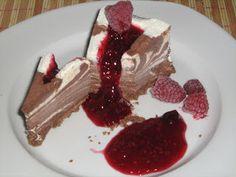 Csokis-vaníliás zebra parfé torta Hungarian Recipes, Hungarian Food, How To Make Cake, Mousse, Fondant, Dessert Recipes, Cakes, Hungarian Cuisine, Cake Makers