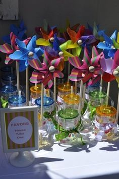 Pinwheel/water bottle favors 2nd Birthday, Happy Birthday, Birthday Ideas, Pinwheel Wedding, James 1st, Cake Pop Stands, Fiestas Party, Chocolate Dipped Oreos, Project Nursery