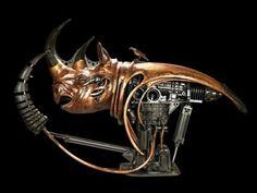 fonte: uhul  O artista francês Pierre Matter   é um verdadeiro gênio para criar esculturas. Utilizando aço inoxidável,  bronze, ferro, cobre...