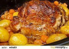Vepřová plec pečená pomalu společně s bramborami a mrkví recept - TopRecepty.cz Slovakian Food, Pork Recipes, Cooking Recipes, Chicken Recepies, Multicooker, Food 52, No Cook Meals, Pot Roast, Food To Make