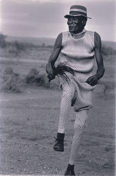 © Yuriko Takagi | Pleats Please Travel Through The Planet | Kenya.