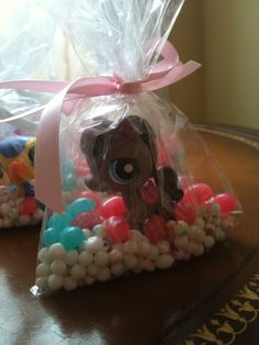 Littlest Pet Shop party favor - 1 LPS with mini jaw breakers and jelly beans ... sweet!